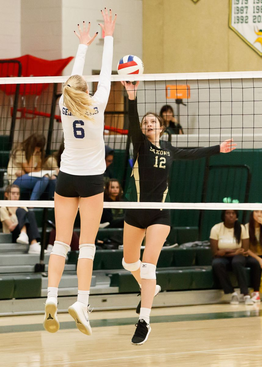 Langley Saxons volleyball 3